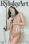 Picture Gallery Diuit with Nude Model Kira Joy
